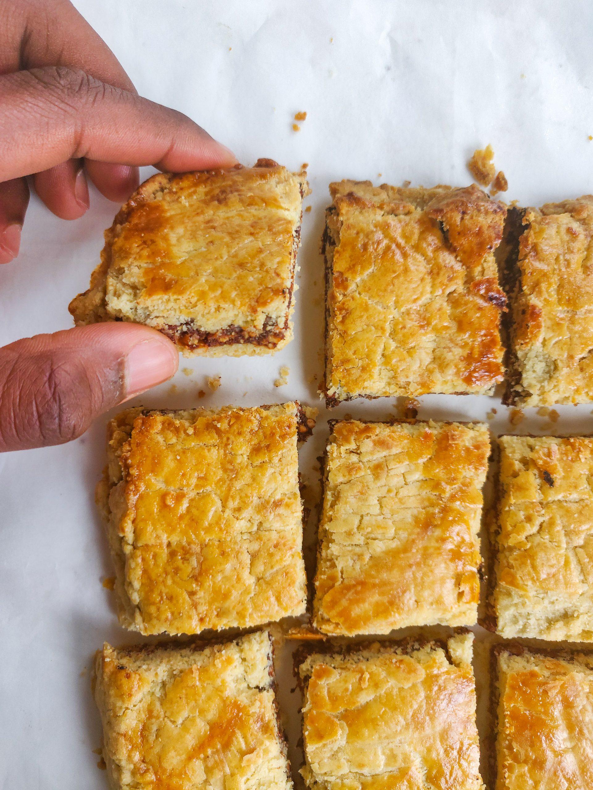 Read more about the article Biscuits fourrés à la pâte de dattes