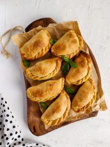 Read more about the article Empanadas aux épinards et à la mozzarella